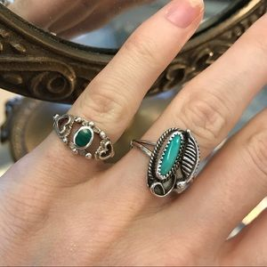 Vintage Jewelry - Turquoise VintAge Silver Ring Native Leaf Design